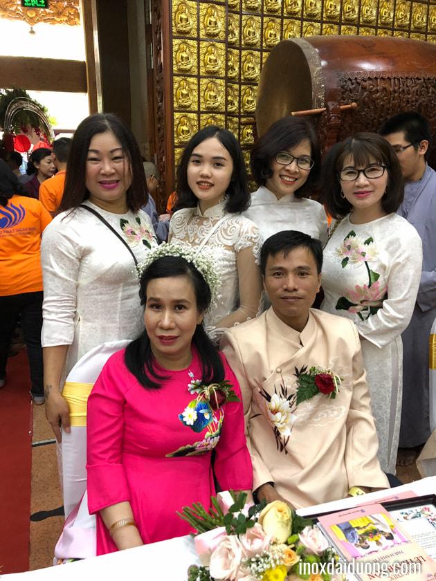 Quỹ từ thiện Inox Đại Dương - vòng tay yêu thương trao 50 phần quà chúc mừng hạnh phúc 50 đôi khuyết tật tại lễ cưới tập thể tổ chức tại Chùa Giác Ngộ - TPHCM