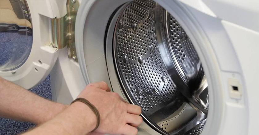 Vỏ và lồng máy giặt làm bằng inox