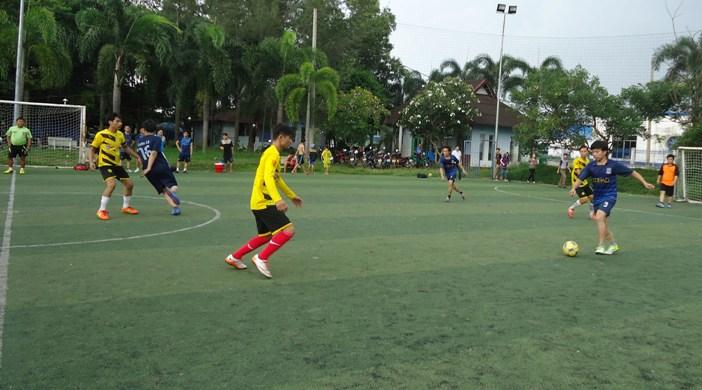 Vòng 3 Giải bóng đá truyền thống Inox Đại Dương 2015: Tiến thẳng Bán Kết