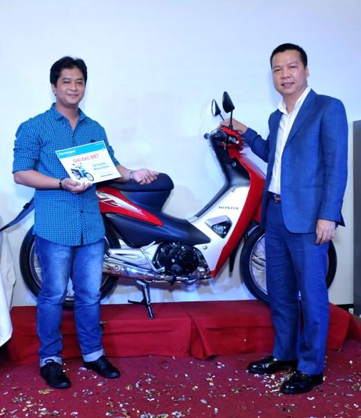 Anh Minh Quân (P.QC)- Giải đặc biệt – Xe máy Honda