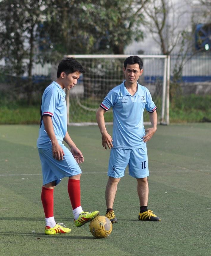 Cầu thủ Hà Văn Duy (trái) đã có 12 bàn thắng trong 2 trận