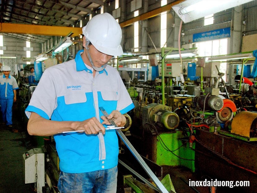 Stainless Steel Round Pipes - INOXDAIDUONG