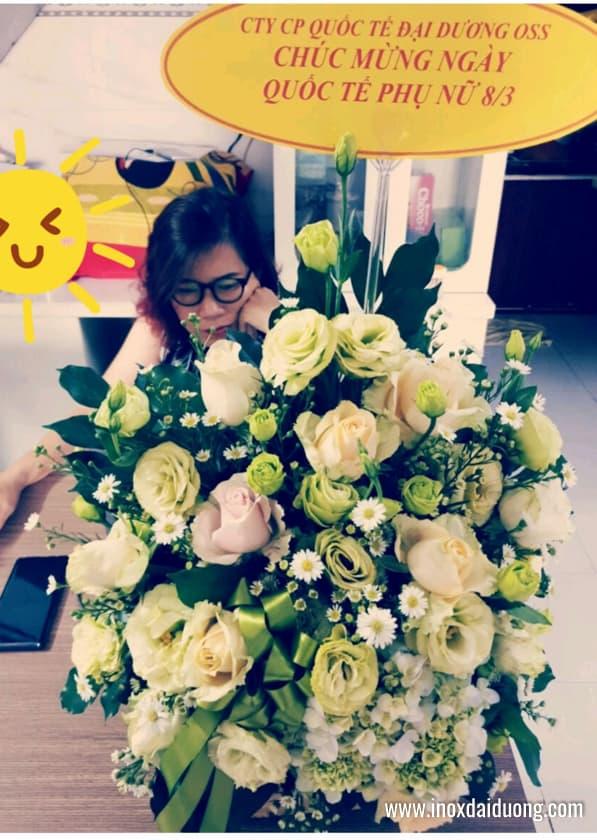 Hình ảnh những giỏ hoa được gửi tới các nữkhách hàng trên cả nước:
