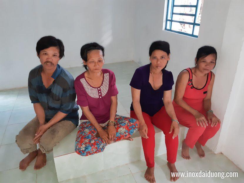 Bốn chị em chị Út trong nhà mới