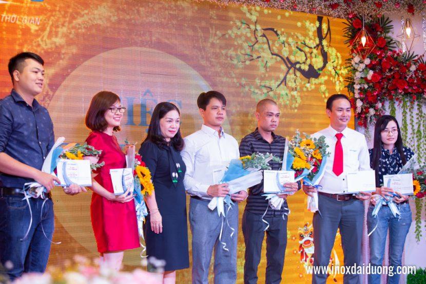 Công nhận và khen thưởng nhân viên