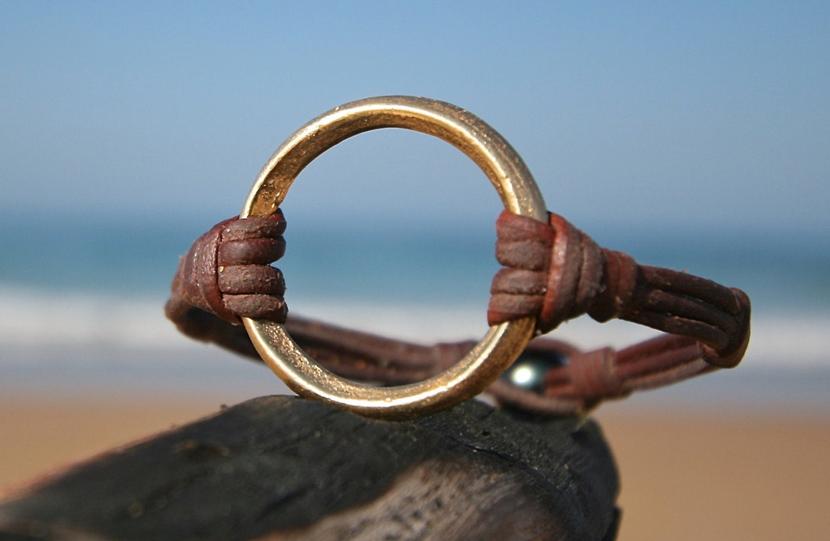 Chiếc Nhẫn & Giá Trị Bản Thân