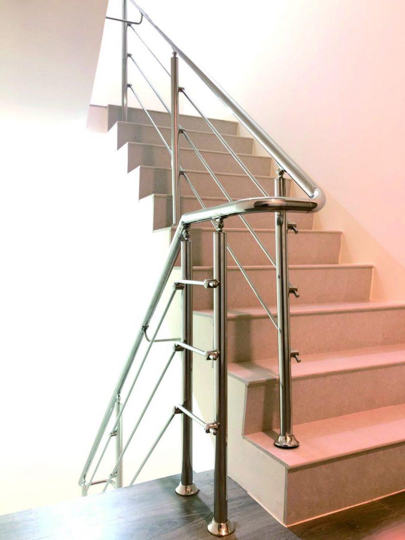 Cầu thang Inox dành cho chung cư, căn hộ